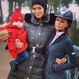 Jade Foret, sa fille Liva et sa petite soeur Cassandra le 18 octobre 2013 à Fontainebleau