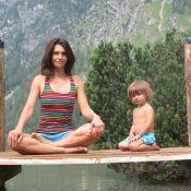 Adeline Blondieau : Superbe et complice avec Wilona pour du yoga en plein air