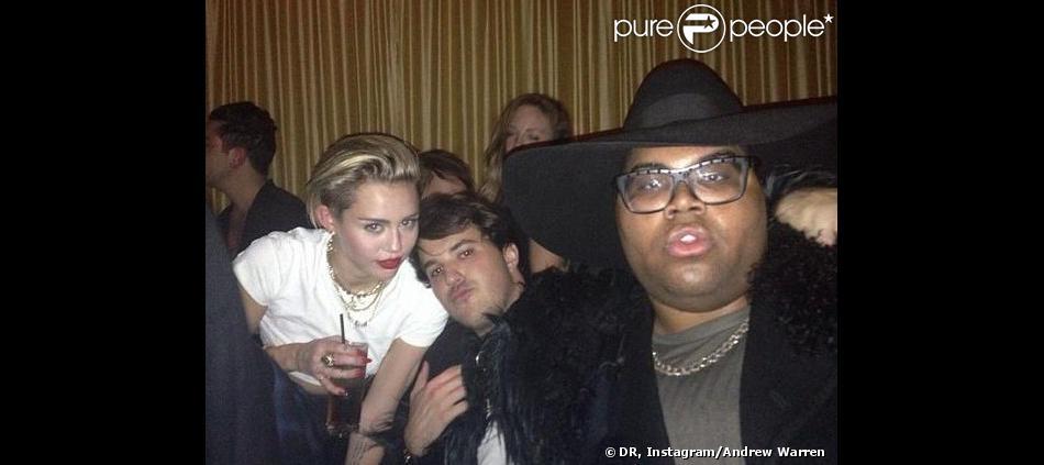 Miley Cyrus et E.J. Johnson en soirée à New York, le 26 octobre 2013.