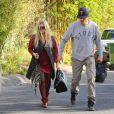 Les jeunes parents Fergie et Josh Duhamel à Brentwood, le 28 octobre 2013.