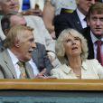 Sir Bruce Forsyth et Camilla Parker Bowles à Wimbledon en juin 2012