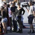 """""""Les Kardashian lors de leur vide-grenier en famille dans le quartier de Woodland Hills, à Los Angeles. Les bénéfices de la vente seront reversés à deux associations caritatives. Los Angeles, le 10 novembre 2013."""""""