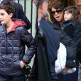 Les fils de Céline Dion et René Angélil, René-Charles, Nelson et Eddy, sortent de leur hôtel parisien, le 13 novembre 2013.