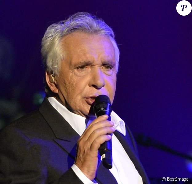 """Michel Sardou dans le cadre de sa tournée """"Les grands Moments""""."""