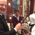 Le drôle Cyril Hanouna au salon de coiffure de Franck Provost afin de procéder à sa décoloration, après avoir perdu son pari dans Touche pas à mon poste. A Paris le mercredi 20 novembre 2013.