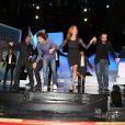 """Fred Testot, Eric Elmosnino, Melissa Theuriau, Christian Hecq, Guy Bedos et Antoine Dulery lors de l'enregistrement de l'émission de Noël """"La grande librairie"""" aux Folies-Bergères à Paris, le 18 novembre 2013"""