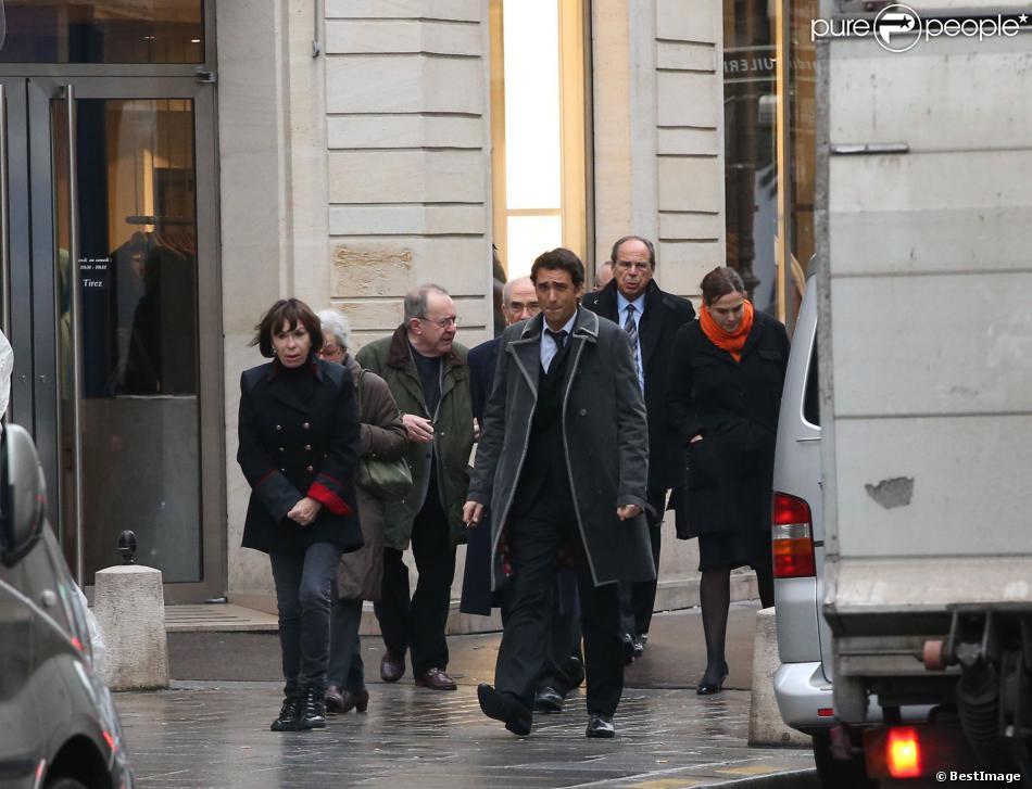 Exclusif - Danièle Evenou et son fils Jean-Baptiste Martin lors des obsèques du grand ami de Jacques Martin, Paul Ceuzin, en l'église Saint-Roch à Paris, le 19 novembre 2013