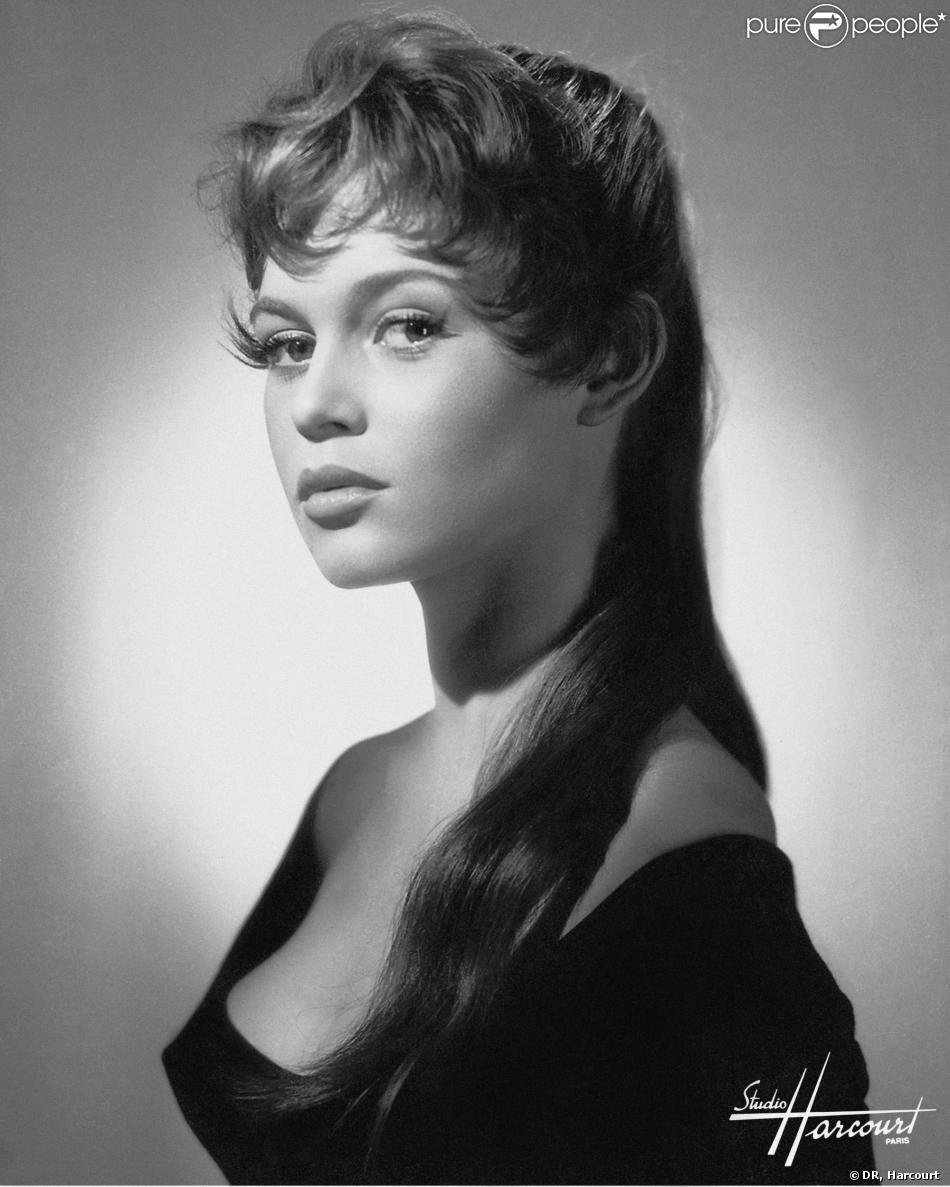 Brigitte Bardot pose pour Harcourt.