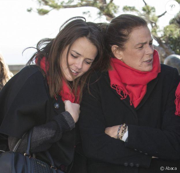 Pauline Ducruet se tenait au côté de sa mère la princesse Stéphanie de Monaco, mais aussi du prince Albert II et de membres de Fight Aids Monaco le 29 novembre 2013 pour une commémoration sur le parvis du Musée océanographique de Monte-Carlo, à deux jours de la journée mondiale contre le sida. Huit courtepointes ont été déployées en hommage aux malades décédés.