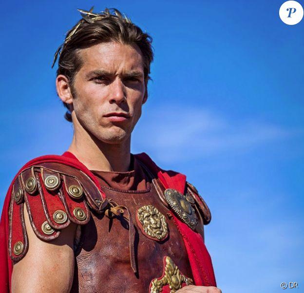 Gianni Giardinelli joue Jules César dans Cleopatra Ya Lalla, version marocaine d'Astérix et Cléopâtre
