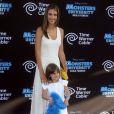 Anja, la fille du top brésilien Alessandra Ambrosio, vole déjà la vedette à sa maman par son look et son attitude à tomber !