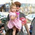 David Beckham joue avec sa fille Harper dans un parc a New York, le 10 septembre 2013.