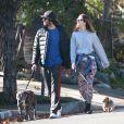 Leighton Meester et son fiancé Adam Brody dans les rues de Los Angeles, le 22 décembre 2013.
