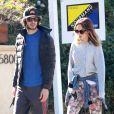 Leighton Meester et son fiancé Adam Brody promènent leurs chiens à Los Angeles, le 22 décembre 2013.