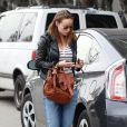Olivia Wilde (enceinte) va faire du shopping à Los Angeles, le 7 janvier 2014.