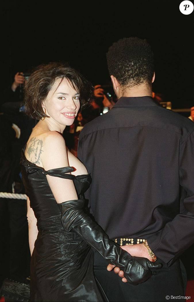 Joeystarr et b atrice dalle lors du festival de cannes 2001 for Beatrice dall joey starr