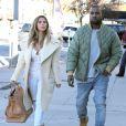 Kim Kardashian et son fiancé Kanye West font du shopping à Los Angeles, le 26 décembre 2013.