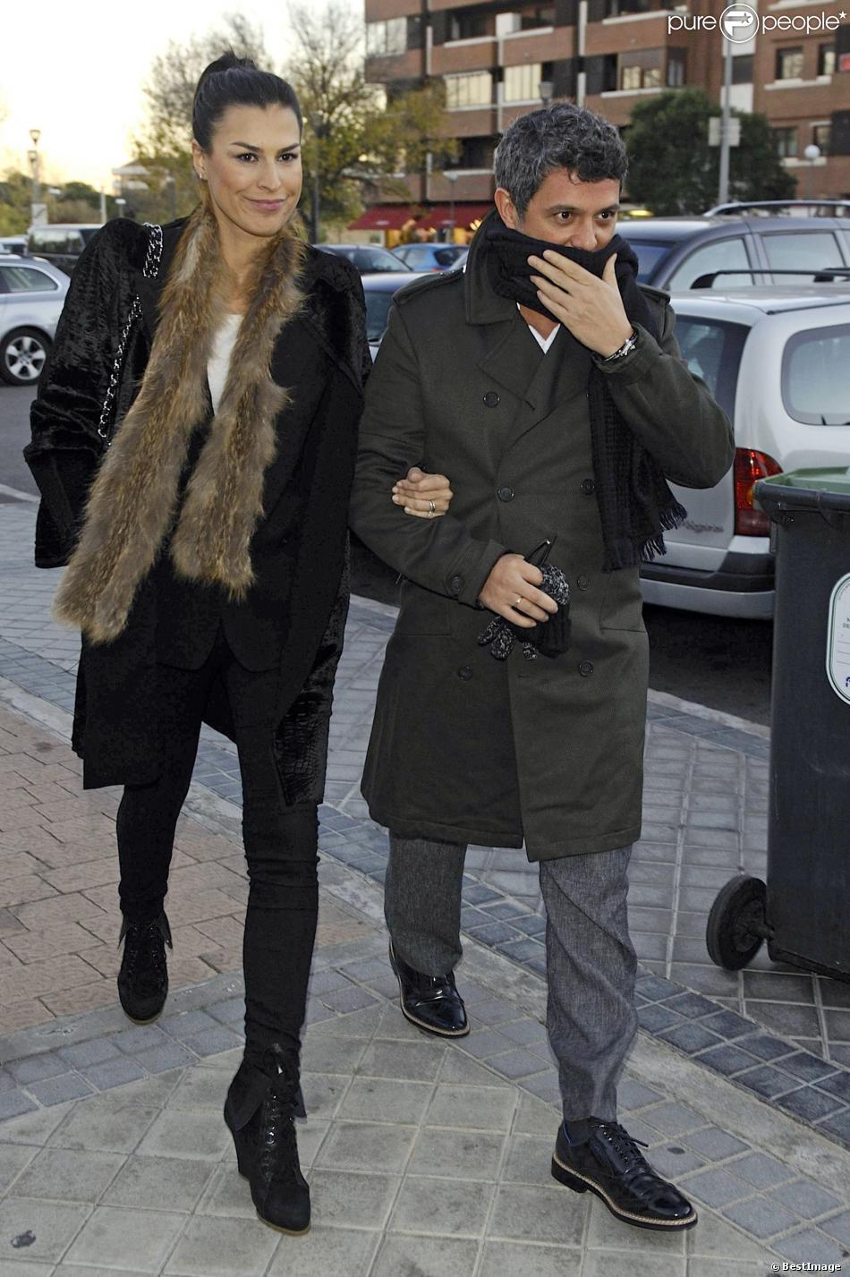 Alejandro Sanz et sa femme Raquel Perera à Madrid, le 27 novembre 2013.