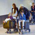 Peter Andre avec sa compagne Emily MacDonagh et les enfants du chanteur Junior et Princess à Londres, le 3 novembre 2013.