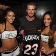 David Beckham avec deux jolies créatures du Heat de Miami, le 30 mai 2013 à Miami