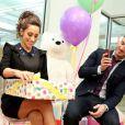 Kevin Jonas et sa femme Danielle, enceinte, fêtent leur couverture pour Fit Pregnancy magazine, et s'offrent au passage une baby shower, chez Alison Brod PR Showroom à New York, le 4 décembre 2013.