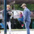 Jack Osbourne , sa femme Lisa Stelly et leur fille Pearl à Beverly Hills, Los Angeles, le 2 février 2014.