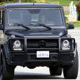 Kim Kardashian arrive chez sa soeur Khloe le 11 février 2014