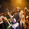 """Billy Ray Cyrus provoc' dans le clip """"Achy Breaky"""", avec le rappeur Buck 22, dévoilé le 11 février 2014."""