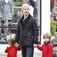 Matthew McConaughey emmène ses deux aînés au cinéma,Los Angeles, le 18 février 2014.