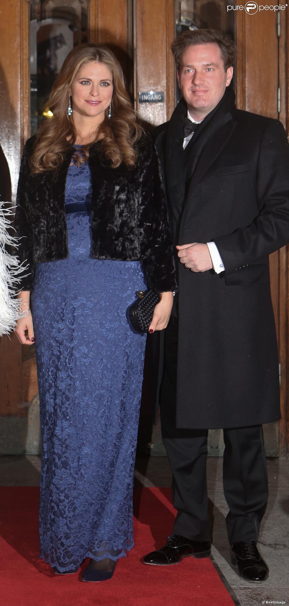 La princesse Madeleine de Suède (enceinte) et son mari Christopher O'Neill à Stockholm en Suède, le 19 décembre 2013.
