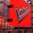 Jenifer somptueuse dans une robe Christopher Kane dans The Voice 3, le samedi 22 février 2014 sur TF1