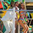 """Jennifer Lopez, Pitbull, et Claudia Leite sur le tournage d'un clip pour la """"FIFA World Cup Brazil"""" à Fort Lauderdale, le 11 février 2014."""
