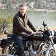 Le présentateur Denis Brogniart sur le tournage d'Automoto en Inde. Diffusion le dimanche 23 février 2014 à 10h10 sur TF1.