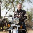 Denis Brogniart sur le tournage d'Automoto en Inde. Diffusion le dimanche 23 février 2014 à 10h10 sur TF1.