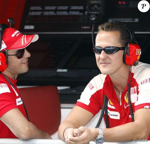 Felipe Massa et Michael Schumacher lors du Grand Prix d'Abu Dhabi à Yas Marina le 31 octobre 2009