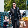 Robin Thicke et son fils Julian, vont faire des courses à West Hollywood, le 3 janvier 2014.