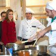 La princesse Letizia d'Espagne en visite dans la province d'Albacete le 25 février 2014, à l'université du travail et à l'usine Arcos.