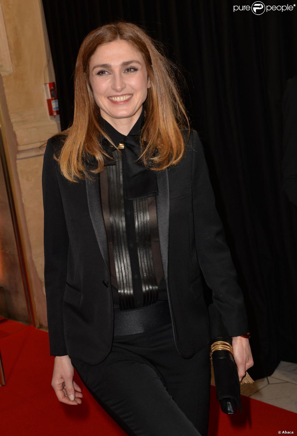 Julie Gayet, nommée comme meilleure actrice dans un second rôle (Quai d'Orsay) mais perdante, lors de la cérémonie des César le 28 février 2014