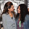 """Tal et sa mère Sem Azar lors de l'avant-première de """"Tal au cinéma"""" au Grand Rex à Paris, le 8 mars 2014."""
