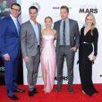 """Le réalisateur Rob Thomas, Jason Dohring, Kristen Bell, Ryan Hansen et Amanda Noret lors de l'avant-première du film """"Veronica Mars"""" à Hollywood, le 12 mars 2014"""