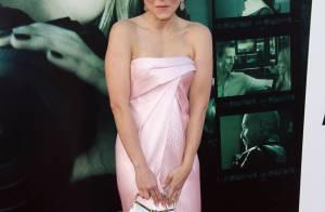Kristen Bell : Sa robe fendue dévoile sa culotte, mais elle garde le sourire