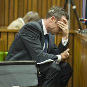 Procès Oscar Pistorius : Des photos sanglantes le font vomir, la police accusée