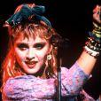 """Madonna sur la scène du """"Live Aid"""", un concert caritatif organisé à Londres le 24 juillet 1985."""