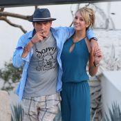 Charlie Sheen, conseillé par sa chérie, met Denise Richards et ses filles dehors