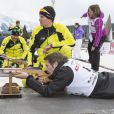 Le prince Emmanuel Philibert de Savoie au tir couché en plein biathlon lors de l'événement World Stars Ski au profit de Star Team for Children, association fondée par le prince Albert II de Monaco, le 22 mars 2014 à Seefeld in Tyrol, en Autriche.