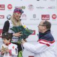 Daniela Ceccarelli récompensée par le prince Albert lors de l'événement World Stars Ski au profit de Star Team for Children, association fondée par le prince Albert II de Monaco, le 22 mars 2014 à Seefeld in Tyrol, en Autriche.
