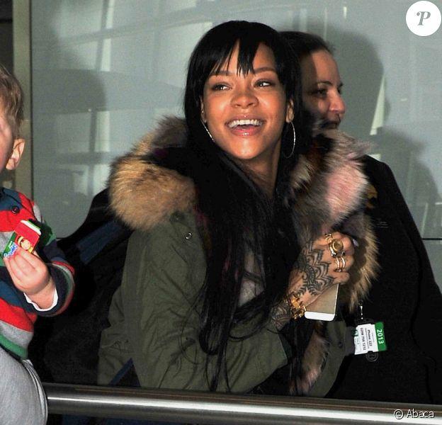 Rihanna à l'aéroport d'Heathrow à Londres, le 24 mars 2014.