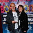 """Bernard Campan et sa femme Anne - Générale de la pièce de théâtre """"Rendez-vous en boîte"""" au théâtre de La Gaîté Montparnasse à Paris, le 7 avril 2014."""