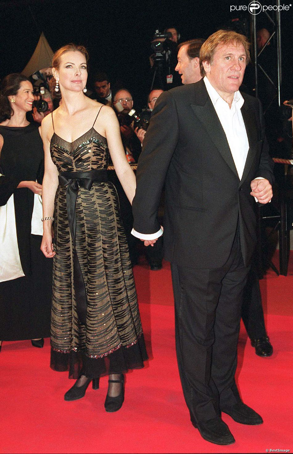 carole bouquet et g rard depardieu lors du festival de cannes 2001. Black Bedroom Furniture Sets. Home Design Ideas