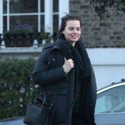 Margot Robbie sans maquillage : Au naturel avec ses amis, presque ravissante